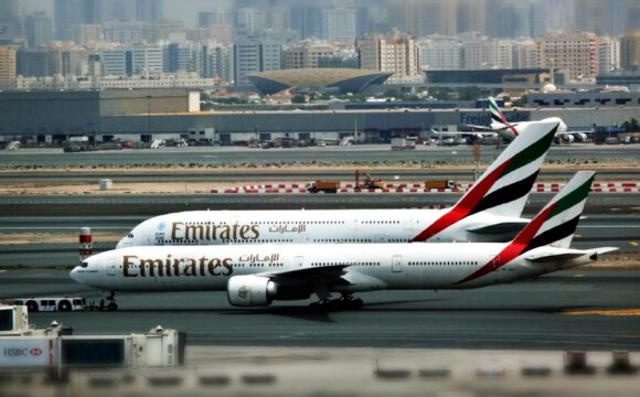 Emirates resumes flights